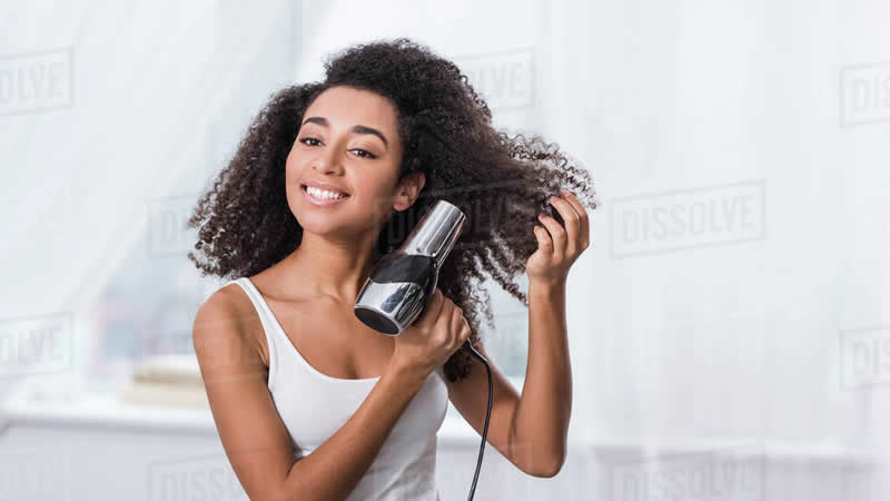 6 Steps to Blow Dry Curly Hair
